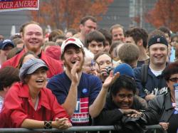 Fans von Slacker Uprising und Michael Moore